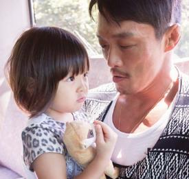 《超人回来了》秋成勋秋小爱父女下车 最终期尚未拍摄