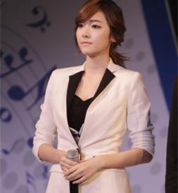 Jessica担任美容节目《Beauty Bible》MC