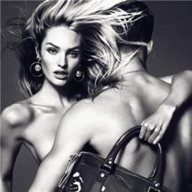 Versace时尚帝国的创立  范思哲一个时尚帝国