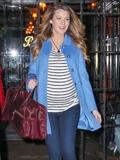 欧美明星冬季服装搭配 示范条纹单品时尚穿法