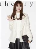 偷师少女时代林允儿服装搭配 白色大衣清纯甜美迷倒李胜基