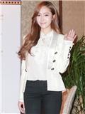 Jessica出席观澜湖世界明星赛 郑秀妍小西装外套搭配尽显女神范