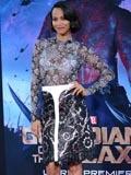 银河护卫队好莱坞首映 佐伊·索尔达娜着LV透视装性感亮相