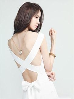 少女时代允儿魅力写真图片 白裙秀美背尽展轻熟女范儿