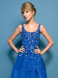 2013多伦多国际电影节女星红毯着装 泰勒·斯威夫特优雅性感