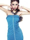 女星Angelababy示范夏季百变裙装