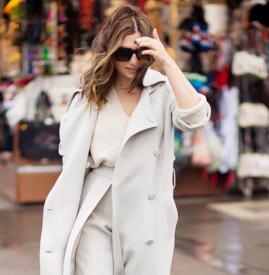 白色大衣里面穿什么打底,白色大衣里面搭配什么,白色大衣里面配什么颜色