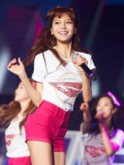 少女时代巡演首尔站 粉色海洋营造浪漫气息