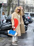 驼色大衣搭配图片女,驼色大衣如何搭配,驼色大衣怎么搭配好看