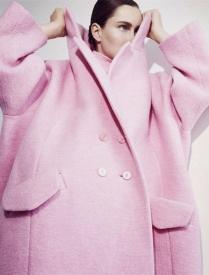 粉色大衣怎么搭配图片,粉色大衣里面穿什么图片,粉色大衣里面穿什么好