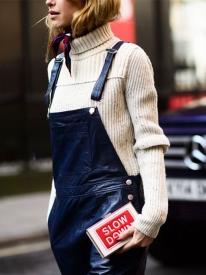 冬季背带裤搭配图片,冬季背带裤怎么搭配,冬季背带裤怎么穿