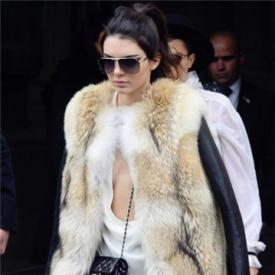 短款皮衣怎么搭配好看,短款皮衣怎么搭配图片,冬天短款皮衣怎么搭配