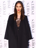 黑色大衣搭配图片女,长款黑色大衣搭配图片,黑色大衣怎么搭配好看