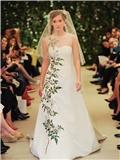 卡罗琳娜•海莱娜(Carolina Herrera)拥有茉莉香氛的新娘嫁衣