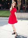 矮个子女生穿衣搭配一米五 优雅连衣裙穿出高挑美人范