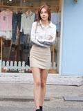 女性包臀裙搭配什么上衣  显瘦优雅美穿展示S形身