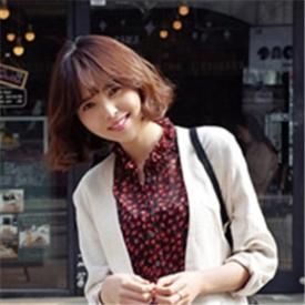 2015韩国春季时尚街拍 白色西服知性大方清新风