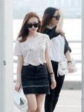 少女时代Jessica与f(x)Krystal机场街拍 郑氏姐妹服饰大PK(图)