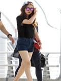 最新韩国女子组合时尚街拍 教你T恤+短裤穿出明星范(图)