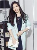 少女时代泰妍徐贤单肩挎包搭配 演绎春装甜美So Sweet