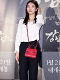 """裴秀智崔雪莉新款包包搭配 韩国人气女星演绎早春""""包""""时尚"""
