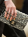 Chanel香奈儿镶珍珠翻盖包 小巧优雅彰显女人味