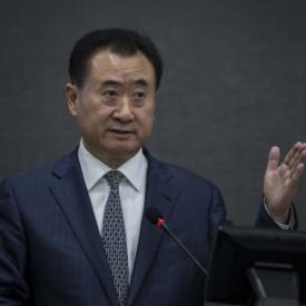 王健林超李嘉诚成华人首富 海外收入达100亿美元