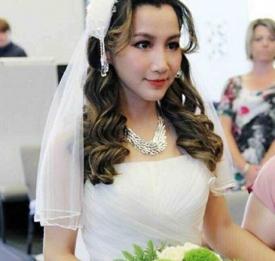 超级女声艾梦萌大婚 嫁外籍男友