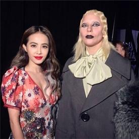 蔡依林Gaga合影 红唇配黑唇惹人注目粉丝点赞