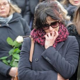 苏菲玛索现身初恋情人葬礼痛哭 曾交往16年共育一子