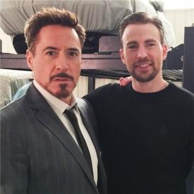 小罗伯特·唐尼自曝与美队合影宣布《美国队长3》