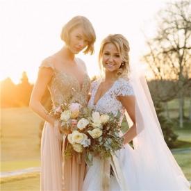霉霉Taylor Swift参加好友婚礼实力抢镜 网友:太高!