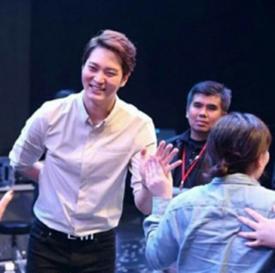 周元泰国见面会人气爆棚 亮相脱口秀节目收视率高