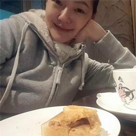 小S晒吃早餐自拍照 网友:失业妇女的在家日常