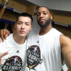 吴亦凡NBA名人赛表现出色 拿下7篮板获麦蒂称赞