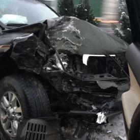 歌手赵传遭遇车祸 现场惨重车头撞烂