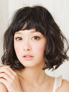 2015年最新短发发型 瘦脸可爱兼备