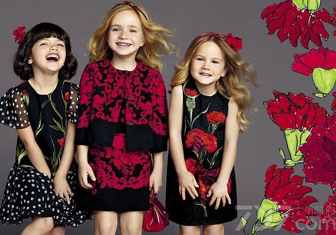 2015春夏新款童装闪亮登场,助燃春夏两季的活力。梦幻的蕾丝,雪纺裙,纯美演绎公主风范;波点装扮,也最大化显示出宝贝们的天真烂漫;还有那鲜艳的印花元素,让所有小朋友们都能如此的呆萌可爱。