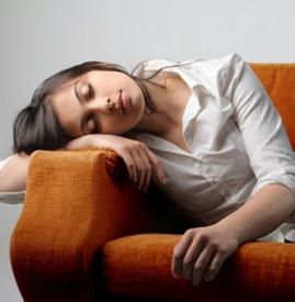 晚上睡觉出虚汗是怎么回事,晚上睡觉出虚汗是什么