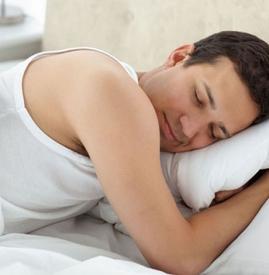 晚上睡觉出汗是怎么回事男性,男人晚上睡觉出汗是