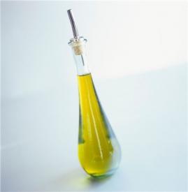 橄榄油和甘油哪个好,橄榄油和甘油的区别,橄榄油和甘油一样吗