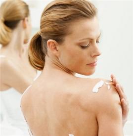 身体乳可以当护手霜吗,身体乳可以擦手吗,身体乳可以涂手吗