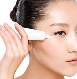 完美芦荟胶可以当眼霜用吗,完美芦荟胶能当眼霜用吗,完美芦荟胶当眼霜用吗