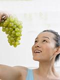 脸上长痘痘吃什么水果好,脸上长豆吃什么水果好,长痘痘吃什么水果排毒