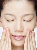 精油怎么用在脸上,精油如何在脸上使用方法