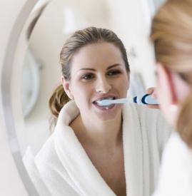 孕妇可以刷牙吗,孕妇能刷牙吗,怀孕期间可以刷牙吗
