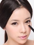 粉色眼妆教程,粉色眼妆图片,怎么画粉色眼影