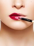 涂口红的方法,涂口红的正确方法,擦口红的正确方法