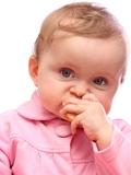 6岁男童捡食棒棒糖死亡 幼儿安全教育不乱误食的方法(图)