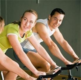 骑动感单车的正确姿势,动感单车正确姿势,动感单车姿势